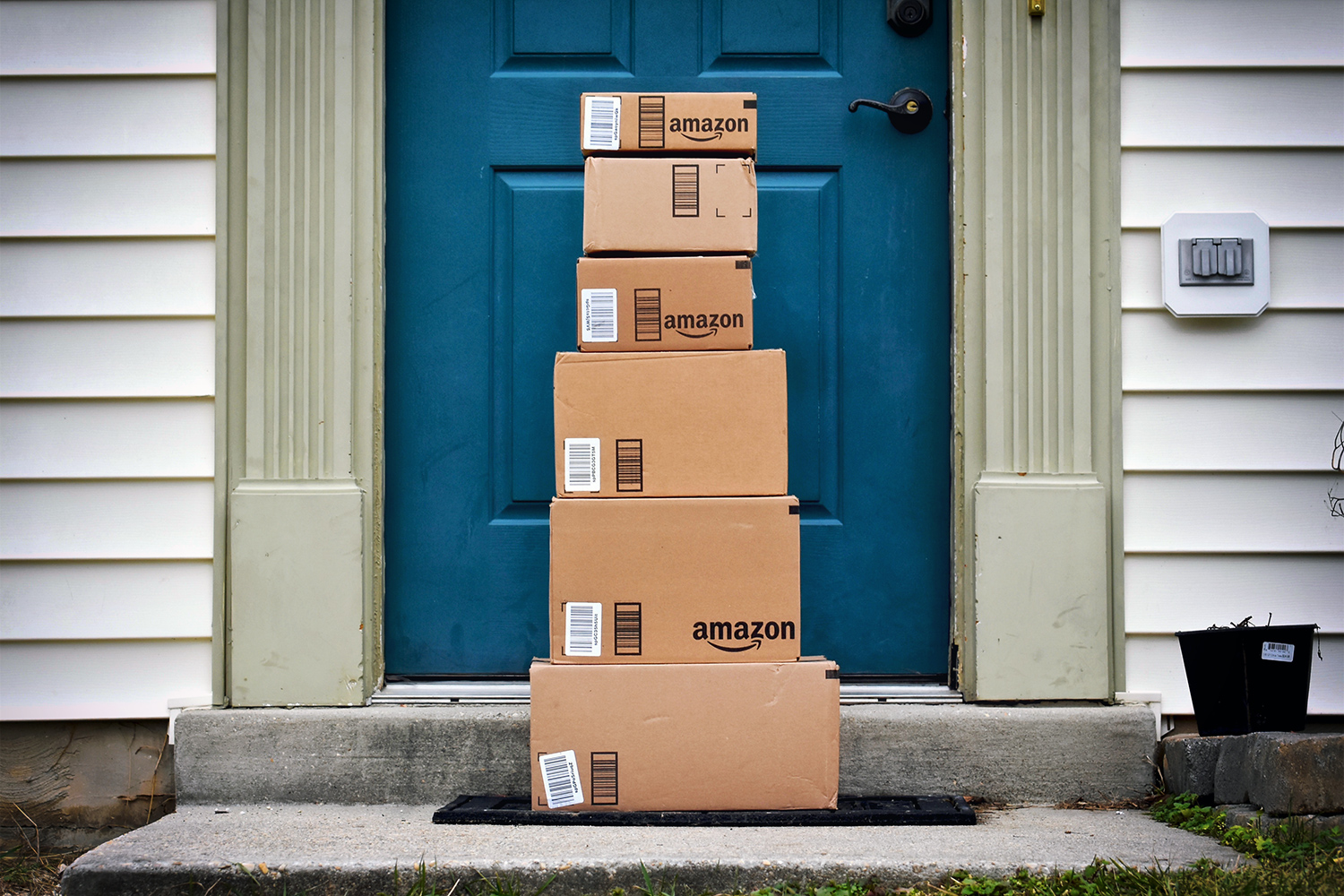 Protect Your Packages from Porch Pirates, How to Safely Travel in a Car, Preplan for a Safe Vacation - Safety Tips While Traveling, ome Security Mistakes, Point Loma Locksmith, pro locksmith, pro locksmith san diego, pro locksmiths, lock smith san diego, locksmiths san diego, locksmith san diego, Locksmith, Locksmith near me, san diego locksmith, san diego locksmiths, ring doorbell installation, auto locksmith san diego, san diego auto locksmith, car locksmith san diego, locksmith el cajon, locksmith chula vista, cheap locksmith, 24 hour car locksmith, auto locksmith, Lock repair, commercial locksmith, lock out services, emergency locksmith, emergency locksmith services